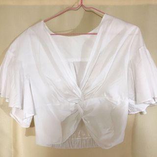 白色紐結上衣