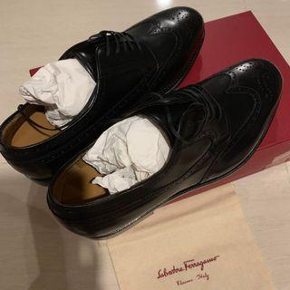 🚚 Brand new authentic Salvatore Ferragamo mens leather shoes!