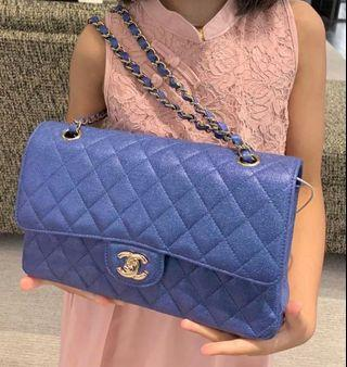 🚚 😱😱MOST SOUGHT AFTER - Chanel 19S iridescent blue medium ! Full set with SG receipt 😱😱