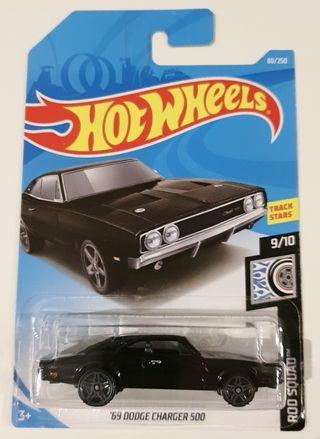 🚚 Hot wheels 69 Dodge charger 500