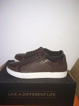 Varium mantra shoes