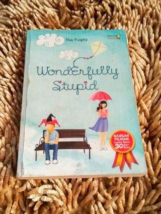 (Novel) WONDERFULLY STUPID Karya Elsa Puspita #cintaibumi