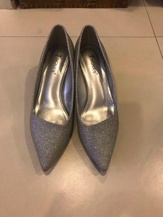 Silver glitter medium heels