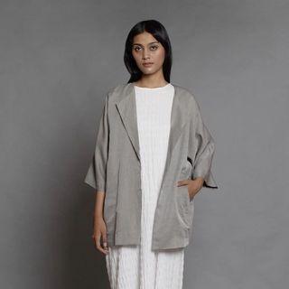 Alaia outer grey