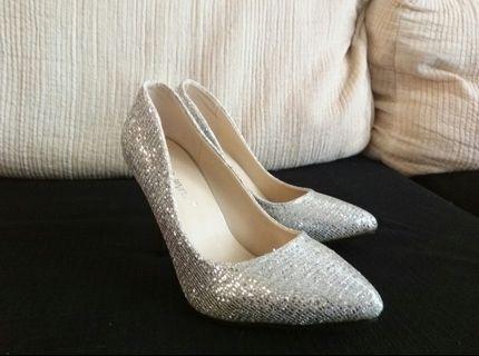 🚚 高跟鞋