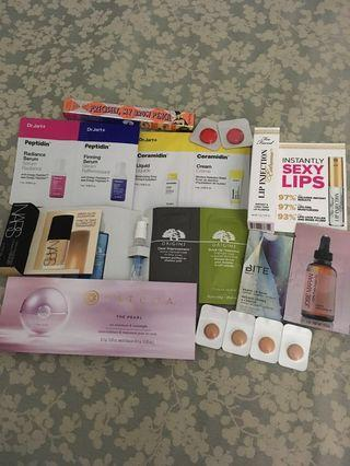 Deluxe sample set with Makeup bag