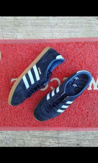 Adidas Berlin size 44 2/3
