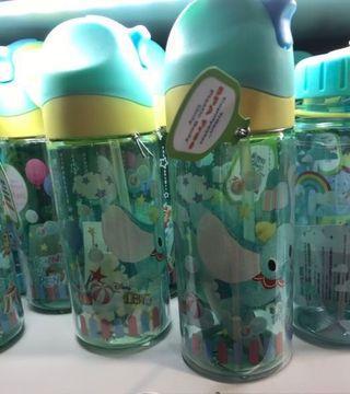 🚚 香港帶回小飛象正版水壺有吸管