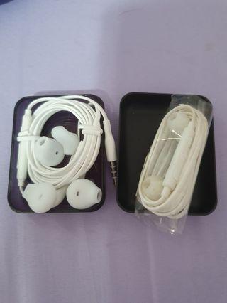 2 samsung earphone