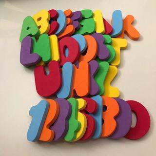 🚚 Munchkin Alphabets and Numbers, 36 pieces