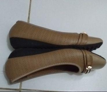 Sepatu merk peter keiza