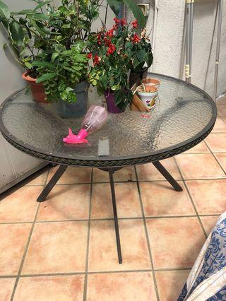 Garden Table round glass