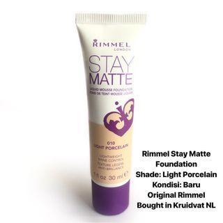 [FREE DELIVERY] Rimmel Stay Matte Foundation in Light Porcelain