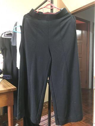 Uniqlo Culottes black.