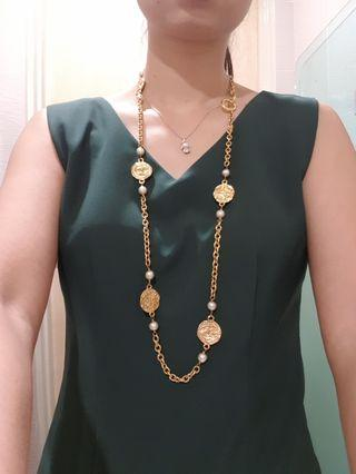 🚚 Vintage chanel gold necklace in excellent condition!!
