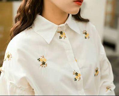 🚚 Queen Shop黃色小花薄襯衫