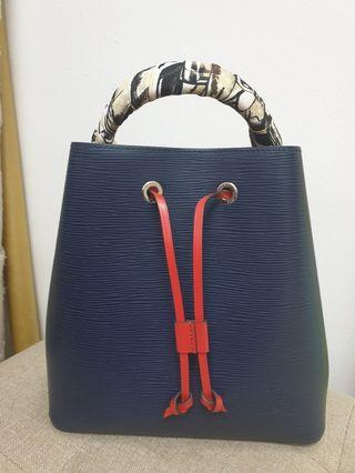 ef0826cadc2c LV LOUIS VUITTON NEONOE EPI LEATHER BUCKET BAG
