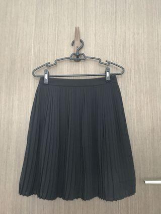 Kenzo black pleated skirt
