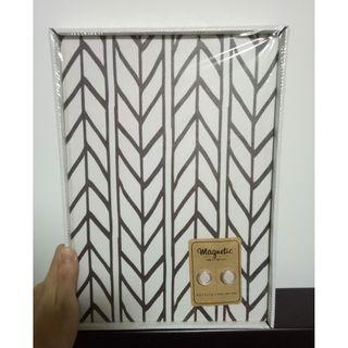 Cute black and white magnetic board