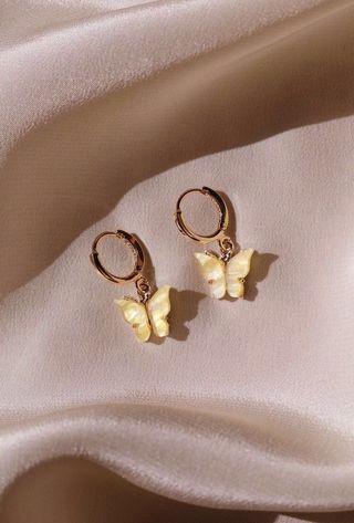 🚚 chvker sunshine butterfly earrings 🦋💛 !