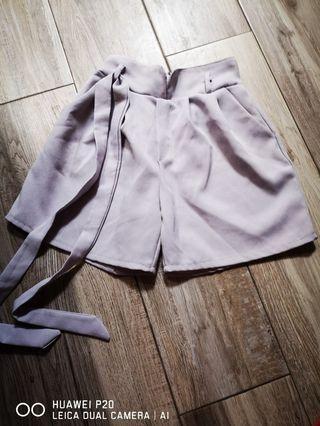 裙褲 淡紫色有腰帶