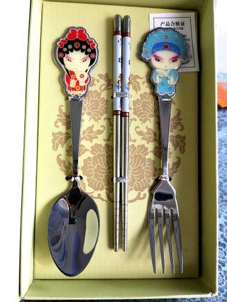 #MRTJurongEast Peking Opera Cutlery Set