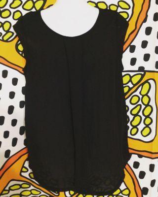🚚 H&M 黑色無袖雙材質拼接上衣