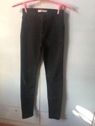 Bershka 黑色長褲