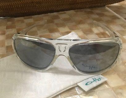 🚚 Transparent Oakley Sunglasses (unisex)