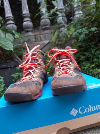Sepatu gunung colombia original