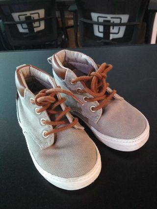 Preloved Old Navy Baby shoes