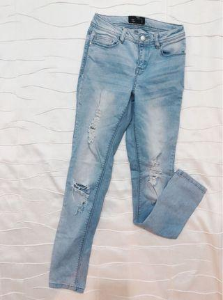 Ripped jeans sz6