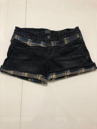 牛仔格紋短褲