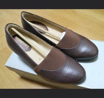 #半價衣服拍賣會 Hera clothes>專櫃 HANNFORT 時尚機能真皮楔型鞋 氣墊高跟鞋 23棕色 母親節