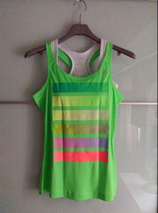 全新~adidas女運動上衣,climalite系列,尺寸S,亮綠色,不含內背心。