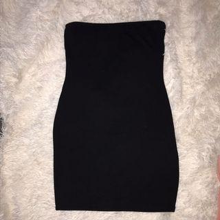 Black bandeau bodycon dress