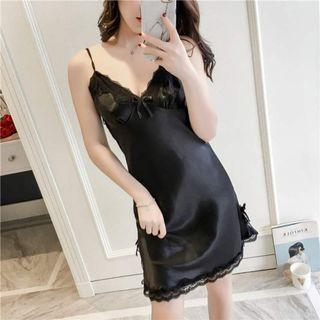 🚚 Black Lace Sleep Gown