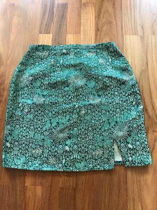 🚚 brandy green oriental skirt
