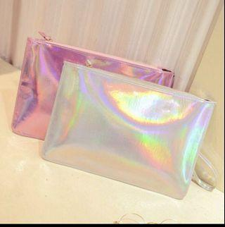🚚 Holographic clutch