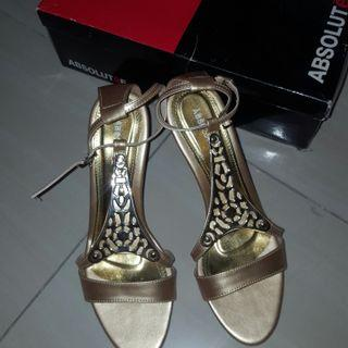 High Heels Gold / Sepatu hak Emas