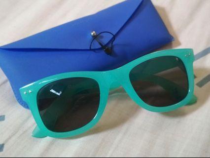 BERSHKA Sunglasses Tosca
