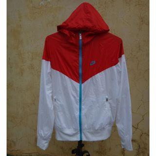 正品 NIKE 紅白色 連帽防風外套 size: L