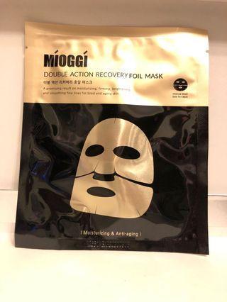 hkd14/30g/包 mioggi double action recovery foil mask 金箔活炭雙效收復面膜。 有1片。