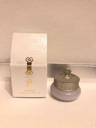 HK$44/10ml/盒 The History of Whoo Gongjinhyang Seol Radiant White Moisture Cream 后 雪透亮水分面霜。 有1盒。