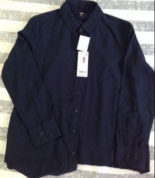🚚 UNIQLO 藏青色薄棉襯衫