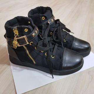 High Top Black Boot Shoes with Scull Gold Accents