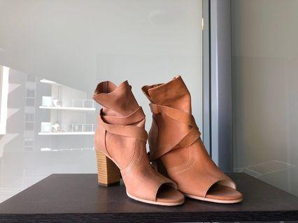 Wittner heels in Nude Pink