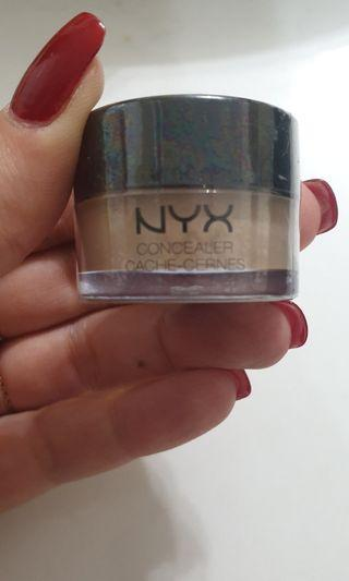 NYX above and beyond concelar