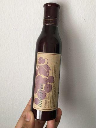Innisfree wine peeling jelly softener