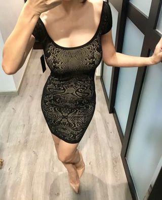 BUY 2 GET 1 FREE! BNWT GUESS Off Shoulder Dress ( XS ) SGD$150